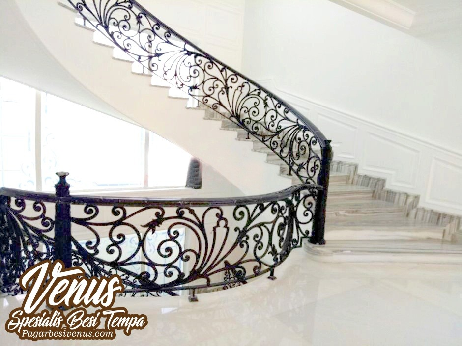 Gallery Railing Balkon Besi Tempa Klasik Mewah Modern Terbaru 2019
