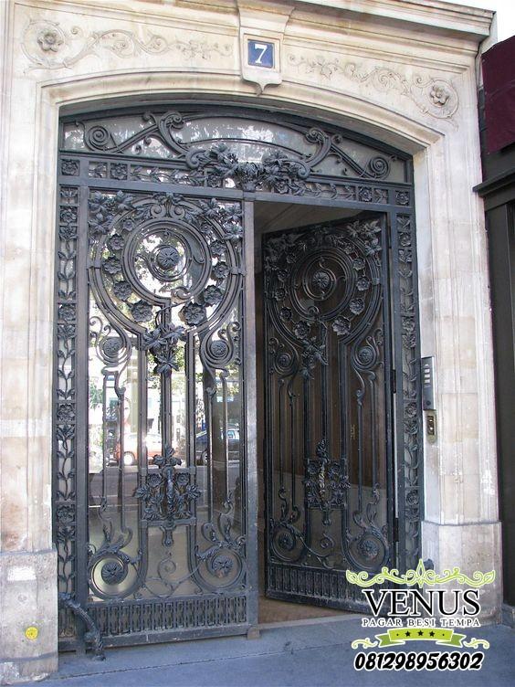 Pintu Besi Klasik
