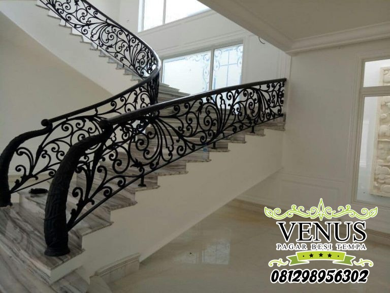 Classic Wrought Iron Stair Case (8)