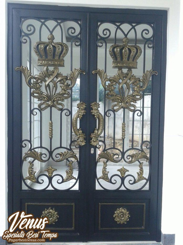 Pintu Besi Tempa Klasik