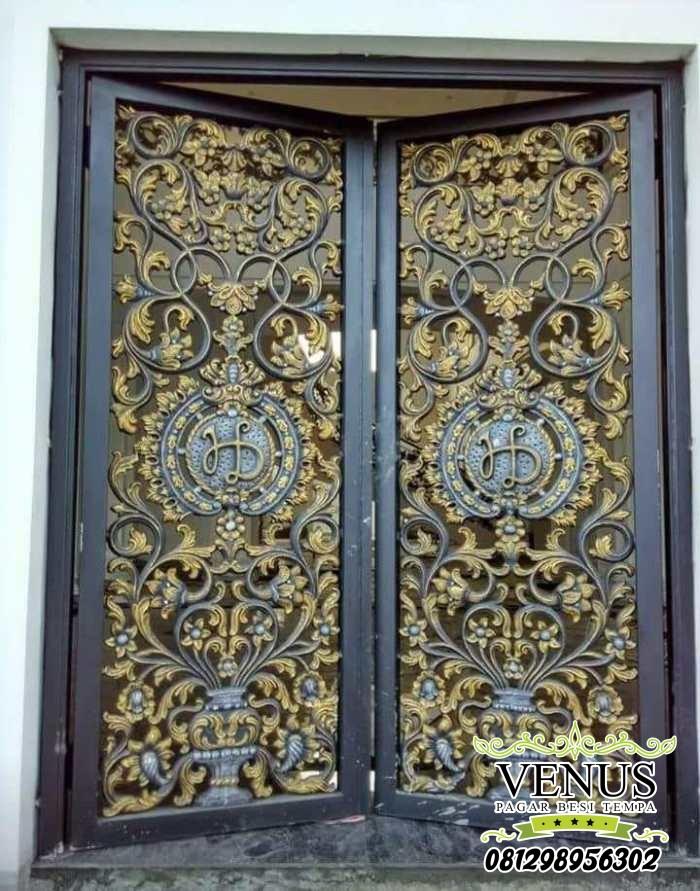Pintu Head Besi Tempa Klasik